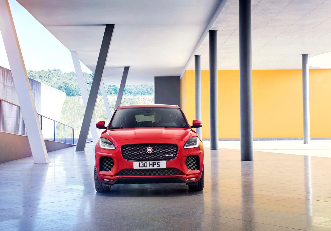 la nouvelle jaguar e pace le suv compact qui met tout le monde d accord elle. Black Bedroom Furniture Sets. Home Design Ideas