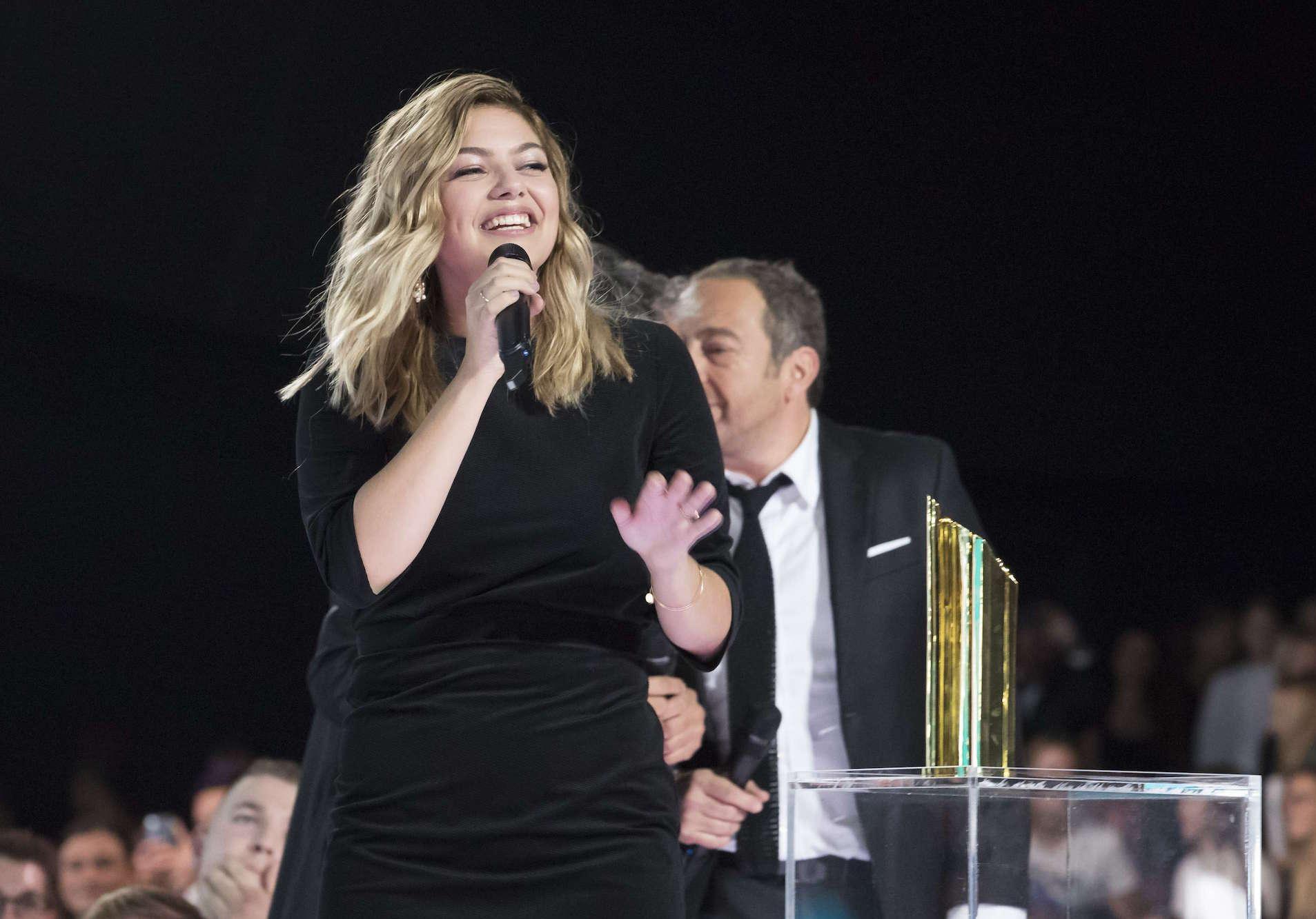Louane emera la star des nrj music awards elle for Musique de louane