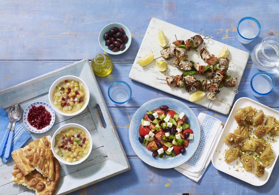 restaurant grec s lection des meilleurs restaurants grecs en france elle. Black Bedroom Furniture Sets. Home Design Ideas