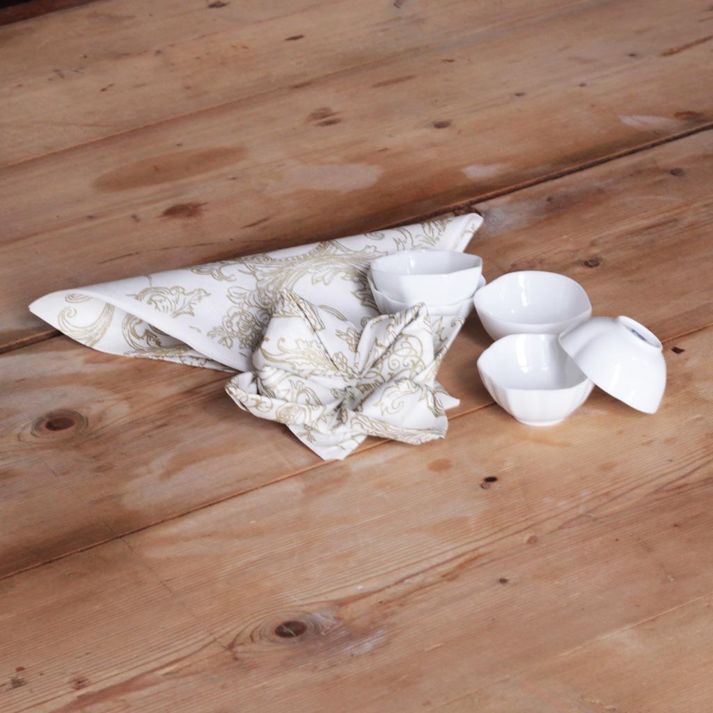 pliage serviette fleur comment faire un pliage de. Black Bedroom Furniture Sets. Home Design Ideas