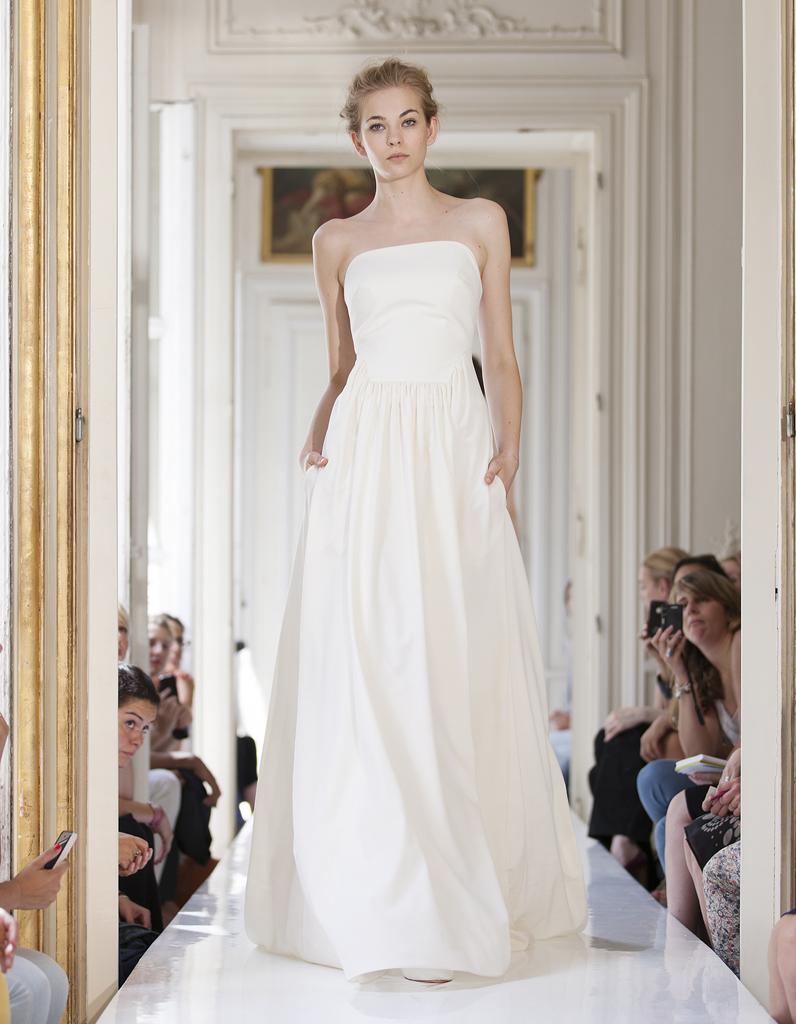 """Delphine Manivet - 100 nouvelles robes pour dire """"oui"""" - Elle"""
