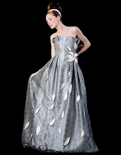 Mariage guide shopping robe couleur corolle docquin 20 for Robes de mariage en argent
