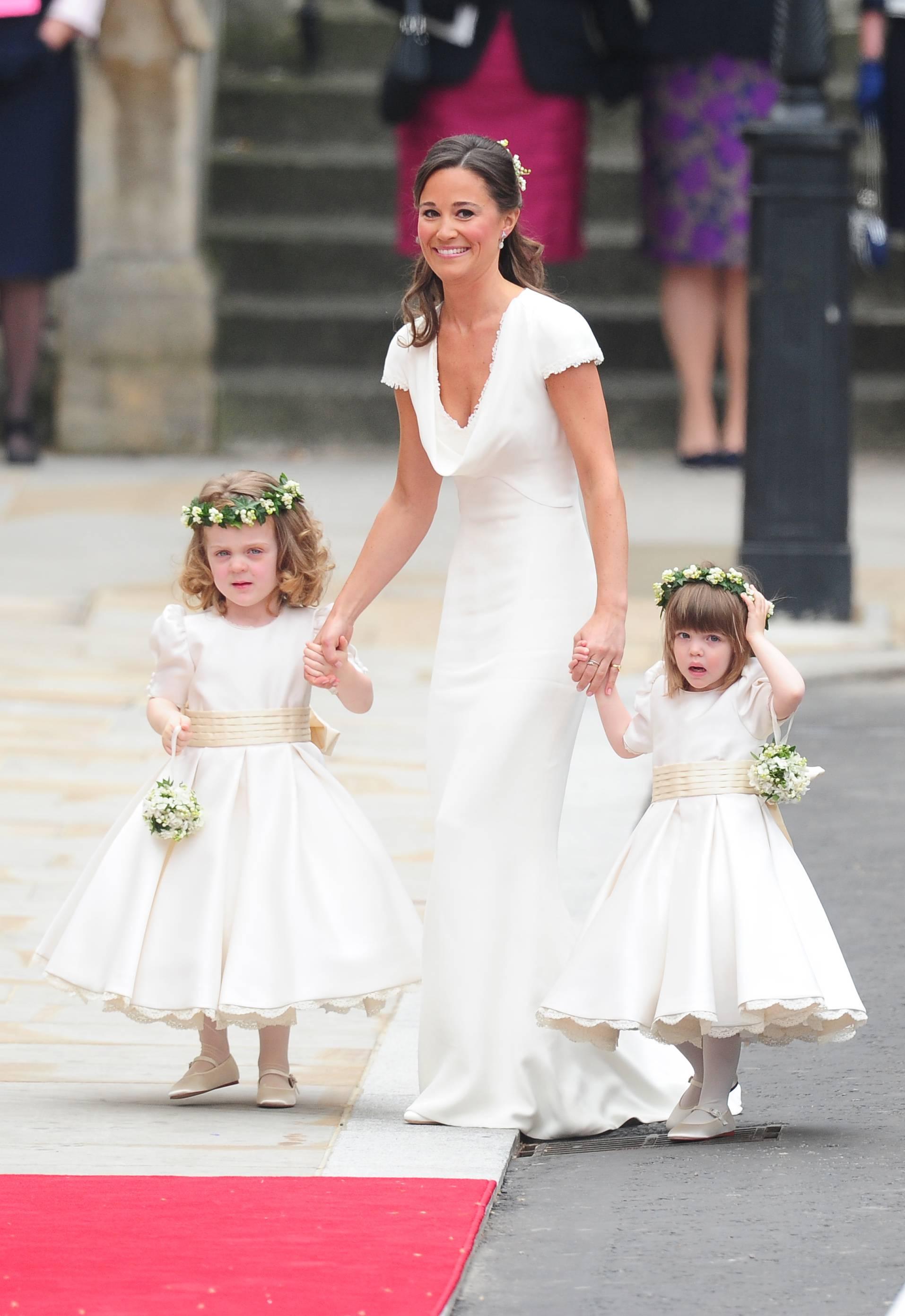 La robe de demoiselle d\u0027honneur de Pippa Middleton au mariage de Kate et  William
