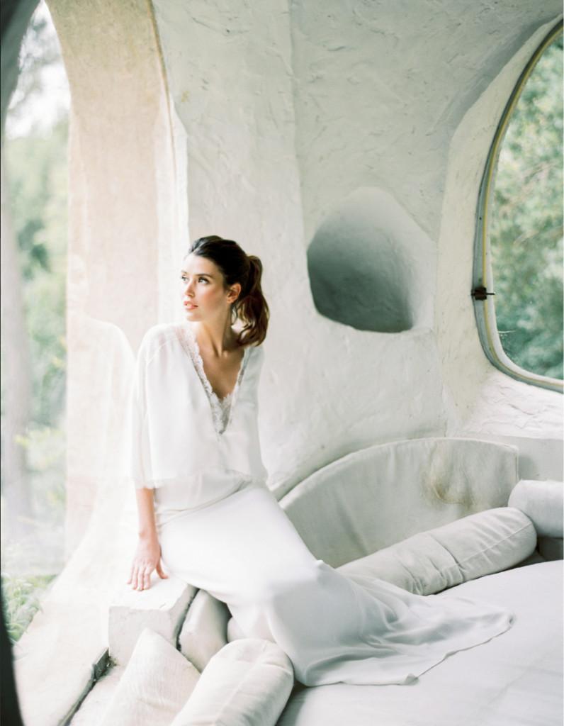 robe de mari e automne hiver 22 robes de mari e d hiver blouissantes elle. Black Bedroom Furniture Sets. Home Design Ideas