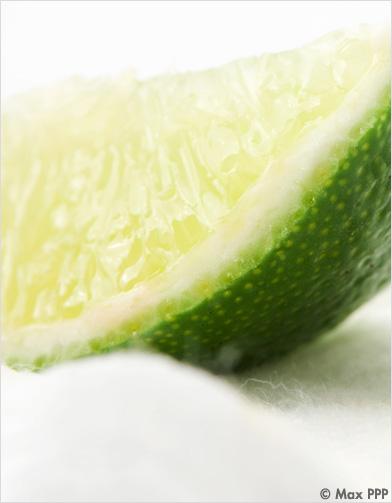 eau concombre citron vert nos recettes pour pique niquer sans grossir elle. Black Bedroom Furniture Sets. Home Design Ideas