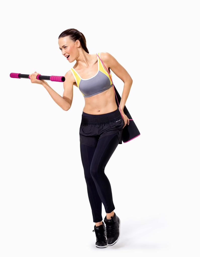 le kit de muscu go sport les 10 bonnes fa ons de faire du sport la maison elle. Black Bedroom Furniture Sets. Home Design Ideas
