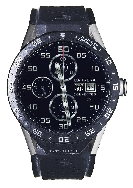 montre connect e tag heuer 10 montres connect es qui remettent les pendules l 39 heure elle. Black Bedroom Furniture Sets. Home Design Ideas