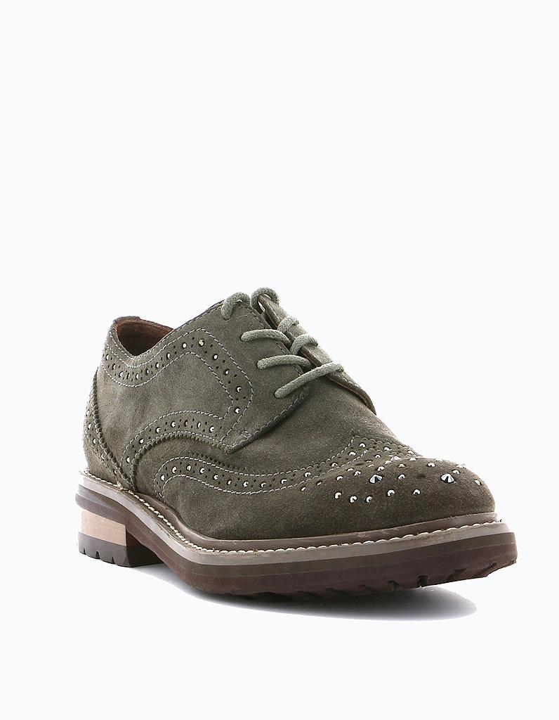 laver chaussure en daim nettoyer les chaussures en daim. Black Bedroom Furniture Sets. Home Design Ideas