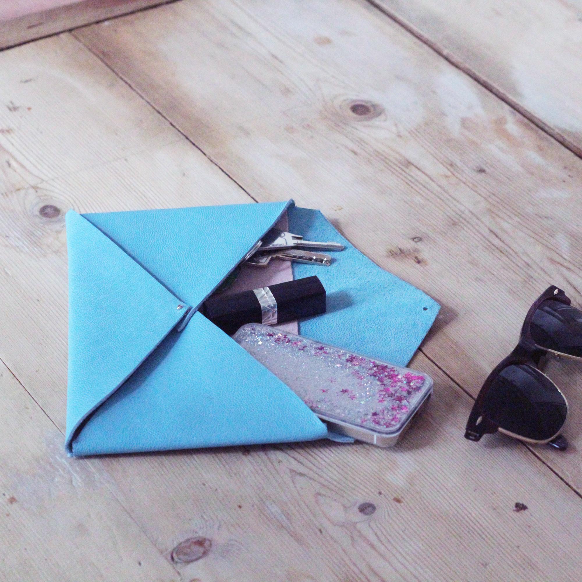 Comment faire une enveloppe avec du papier - Pochette en papier ...