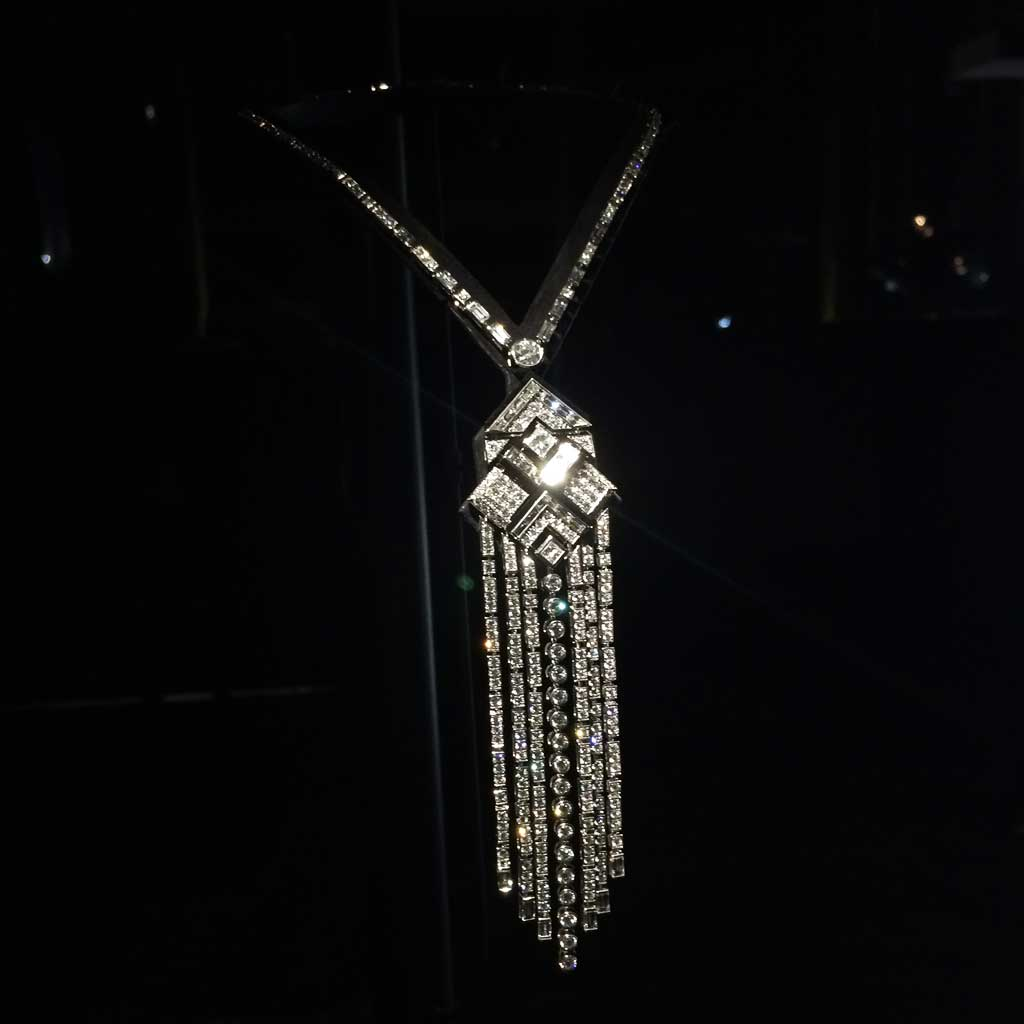 Chanel collection caf society collier charleston for Haute joaillerie chanel