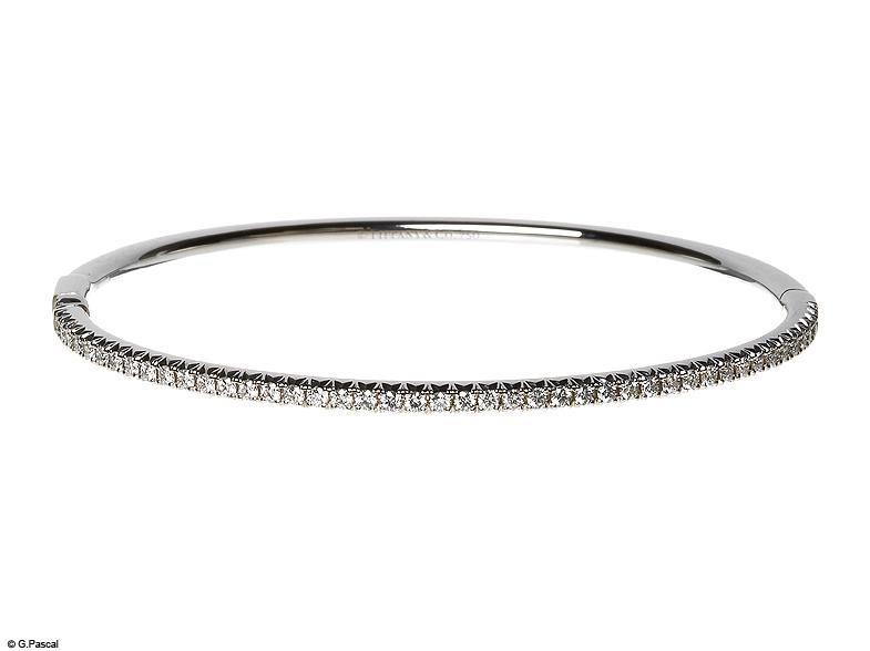 jonc en or blanc et diamants tiffany co les plus beaux bracelets en diamant elle. Black Bedroom Furniture Sets. Home Design Ideas
