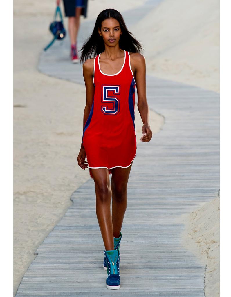 Le maillot de basket l anti sexy est il le nouveau sexy elle - Escort girl porte maillot ...