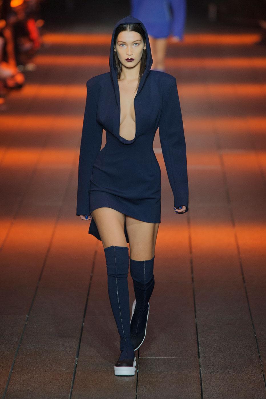 DKNY - Fashion Week : tous les défilés de Bella Hadid