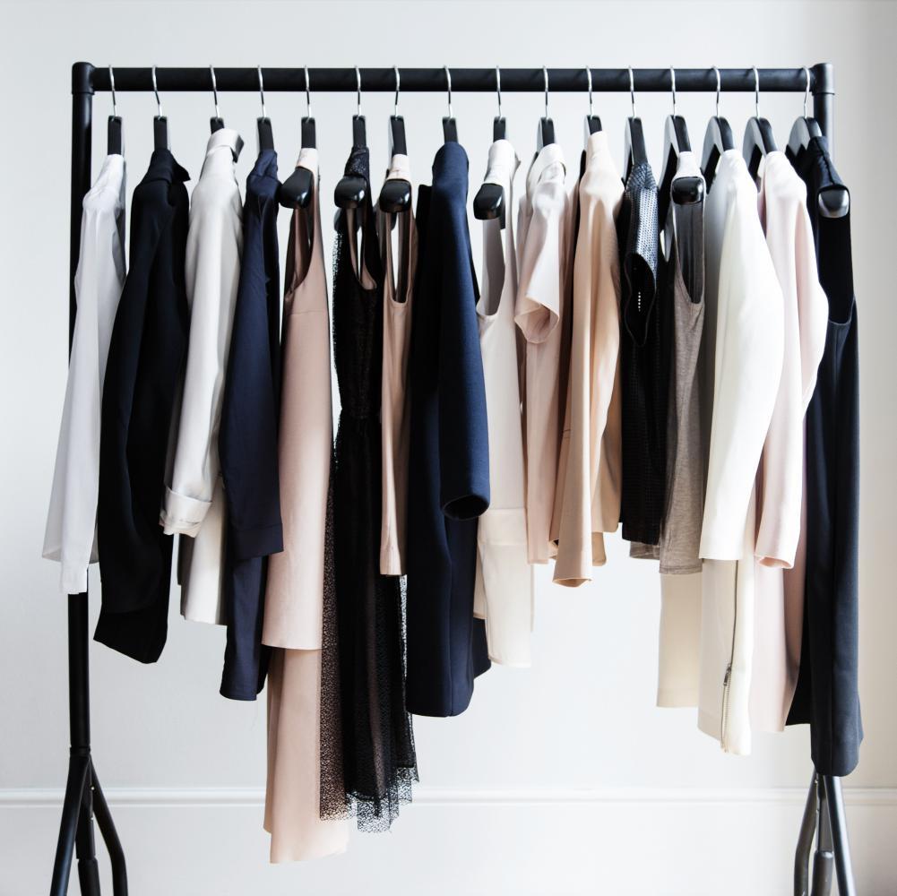 Linstant mode  Vestiaire Collective présente le guide de la Fashion Detox , Elle