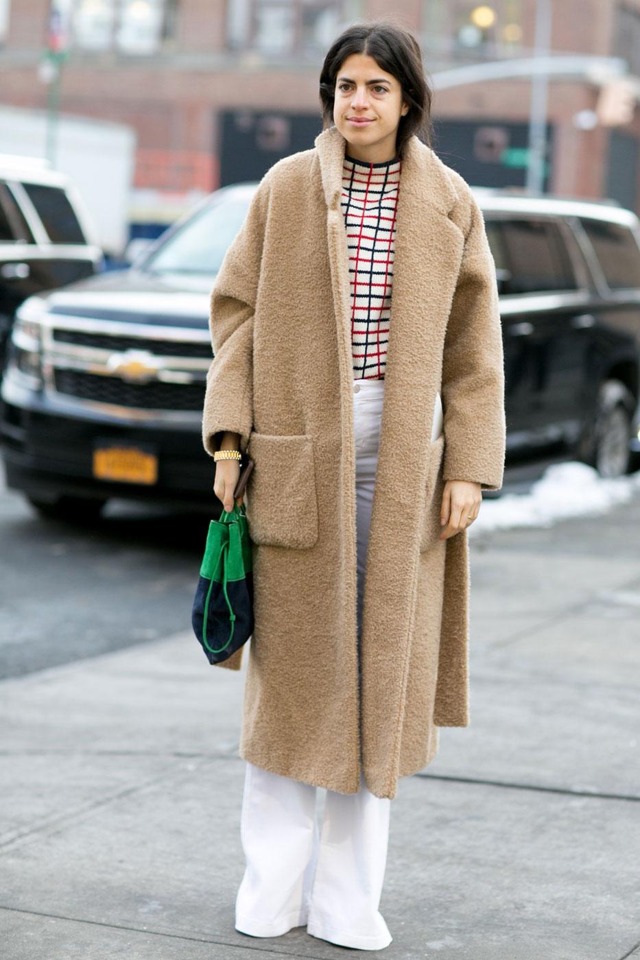 look d 39 hiver avec long manteau look d hiver 30 inspirations rep r es dans la rue elle. Black Bedroom Furniture Sets. Home Design Ideas