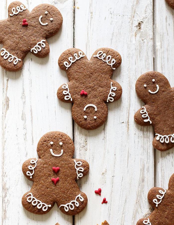 id es de recettes de biscuits en pain d pices elle. Black Bedroom Furniture Sets. Home Design Ideas