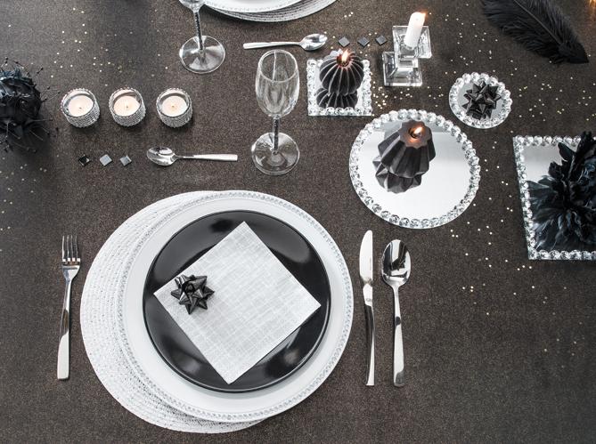 40 jolies tables de f te elle - Deco de table noir et blanc ...