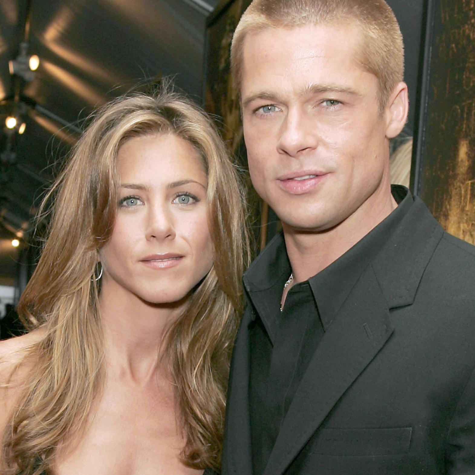 Brad Pitt et Jennifer Aniston  ils se rapprochent douze ans après leur  divorce , Elle