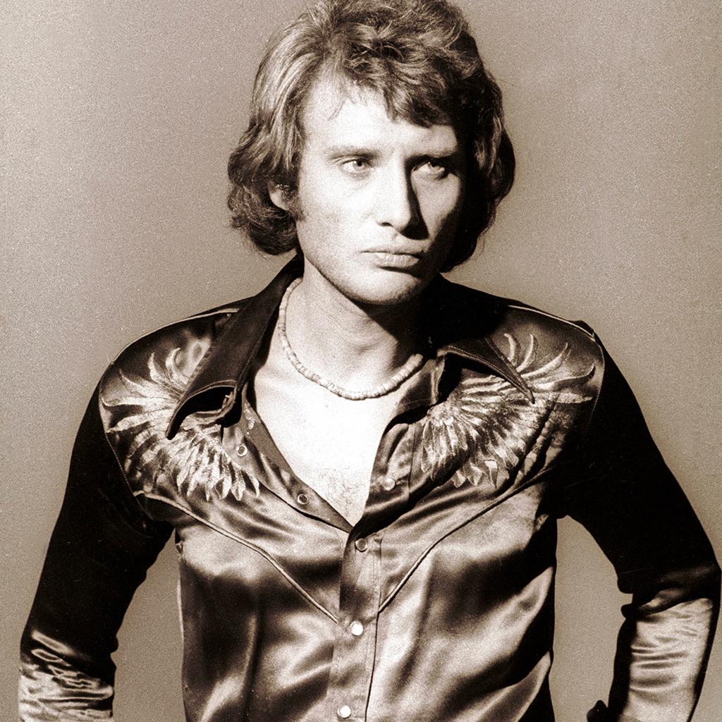 Johnny hallyday le sordide commerce des photos du rockeur dans son cercueil elle - Housse de couette johnny hallyday ...