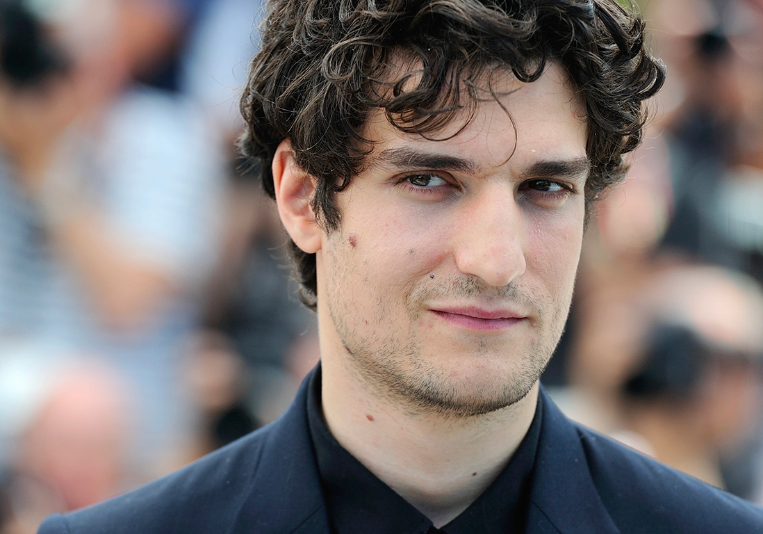 louis garrel le dandy parisien elle. Black Bedroom Furniture Sets. Home Design Ideas